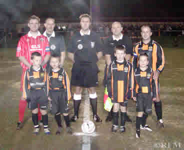 Captains, officials and Wasps mascots